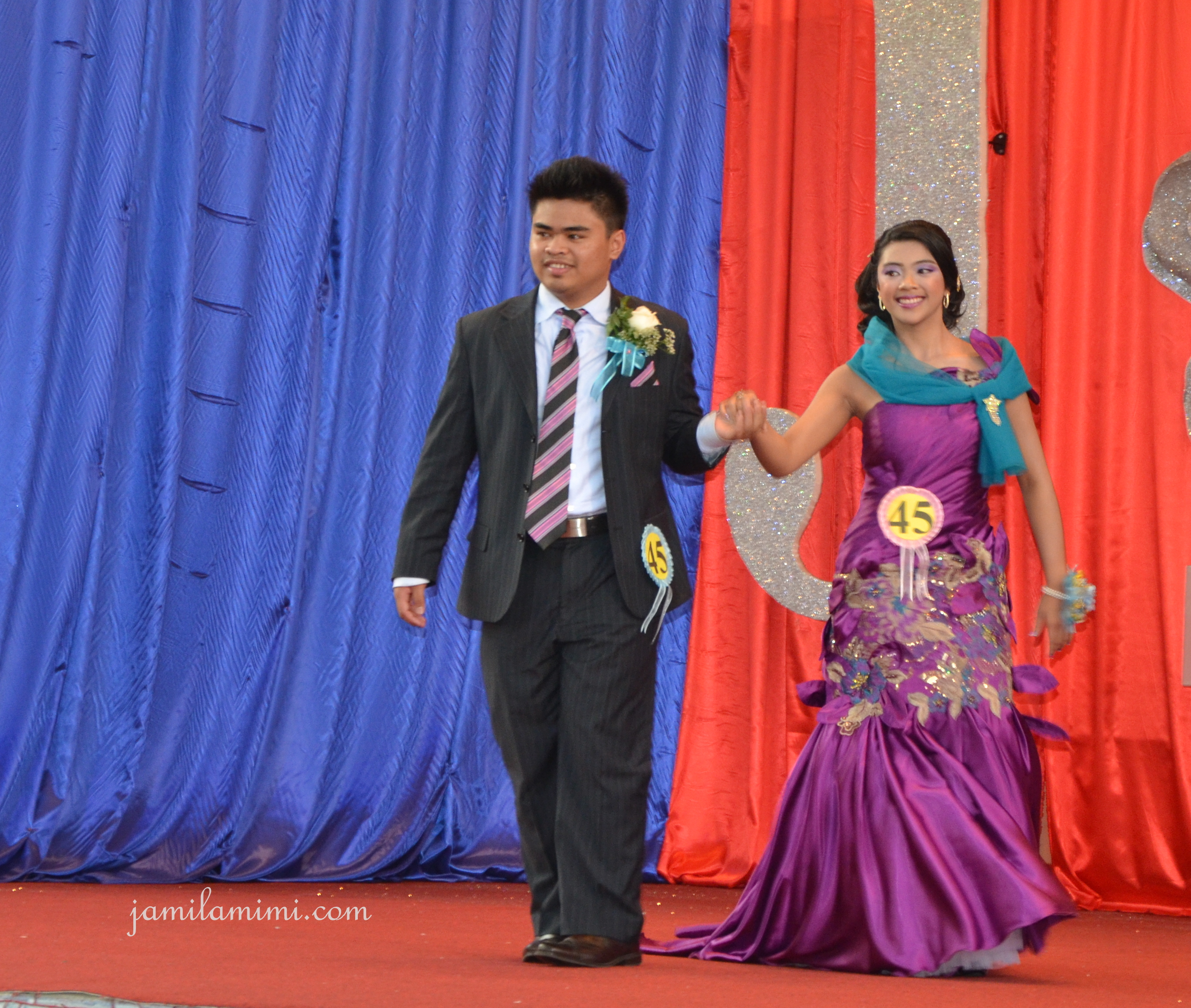 a night to remember js prom essay Lunch break – 061518 40 weird pictures, gifs and memes that are just waiting for happy hour.
