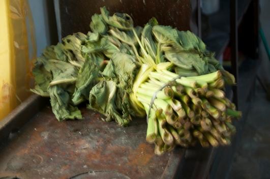 Hopi (taro leaves)