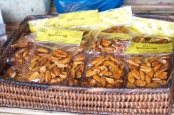 pili nut candies