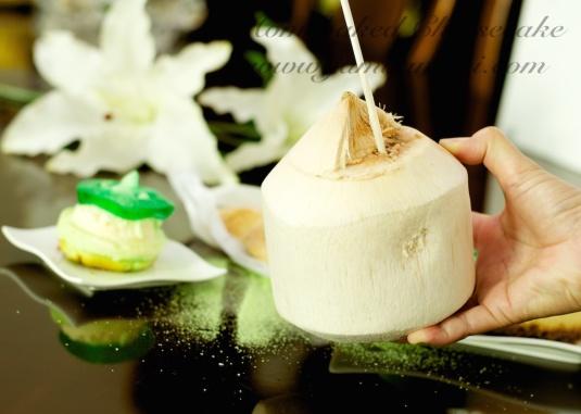 hmmm i love fresh coconut juice